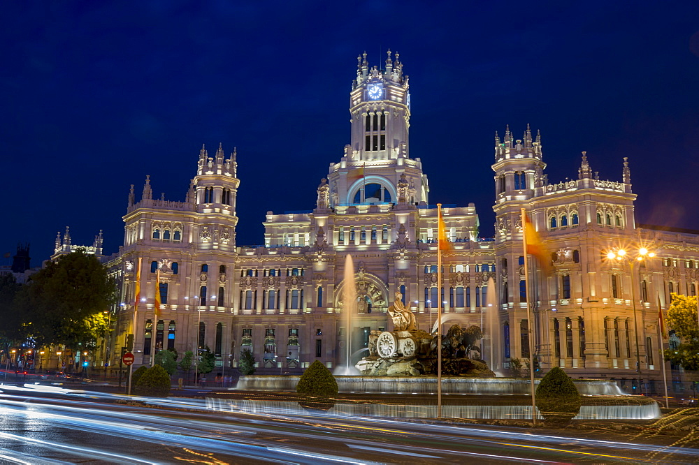 Plaza de Cibeles Palace (Palacio de Comunicaciones) at dusk, Plaza de Cibeles, Madrid, Spain, Europe