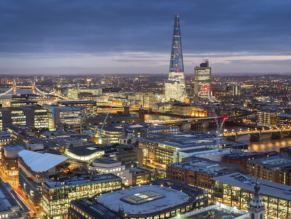 Cityscape with The Shard at dusk, London, England, United Kingdom, Europe - 367-6089