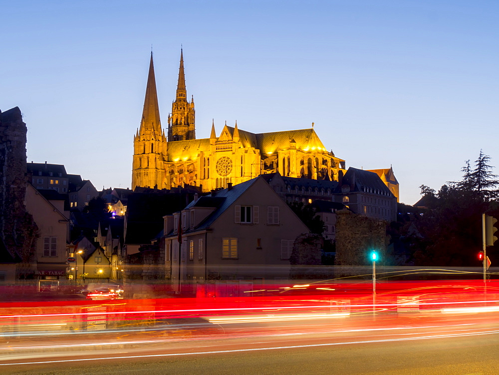 Chartres Cathedral, UNESCO World Heritage Site, Chartres, Eure-et-Loir, France, Europe - 367-6273