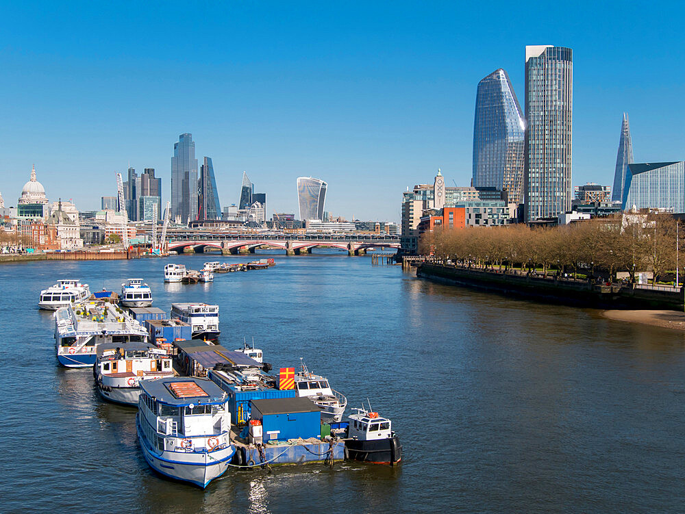 City skyline from Waterloo Bridge - 367-6319