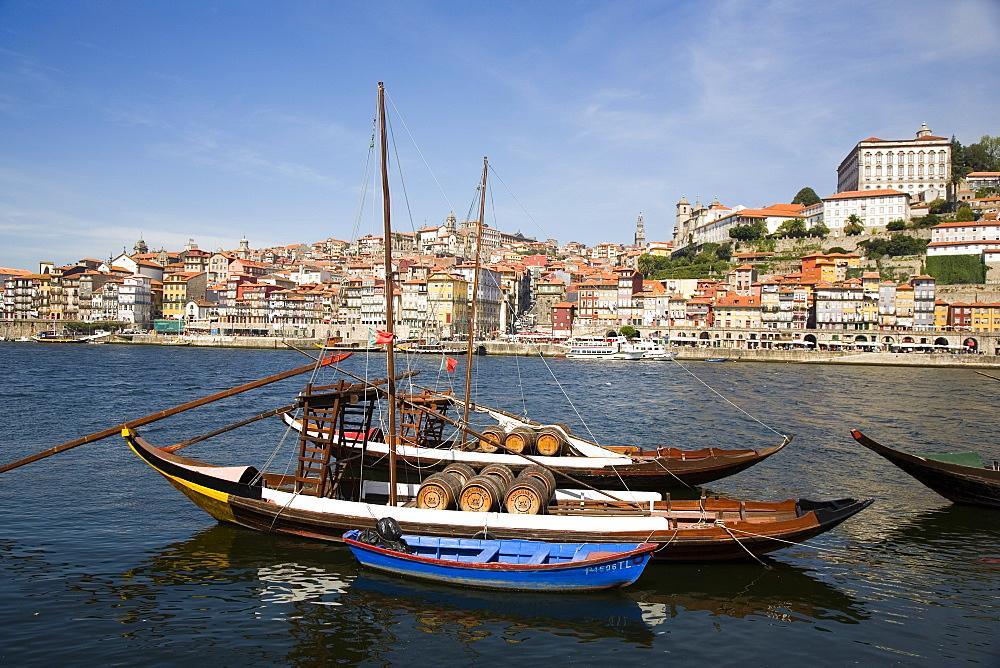Traditional port barcos (boats), Cais dos Barcos Rabelo, Vila Nova de Gaia, Oporto, Portugal, Europe - 375-725