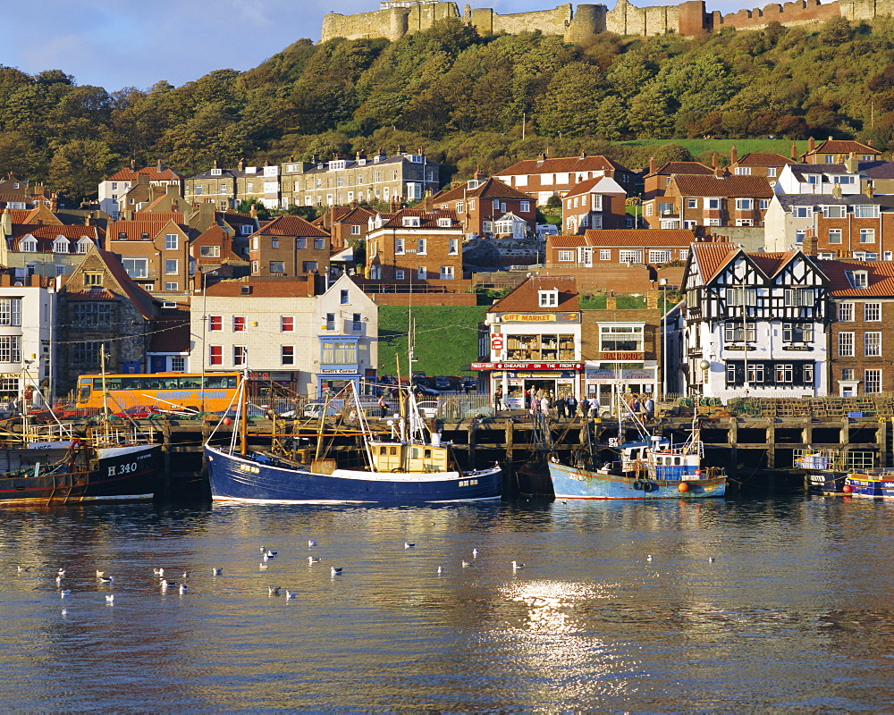 Harbour, seaside resort and castle, Scarborough, Yorkshire, England, UK, Europe