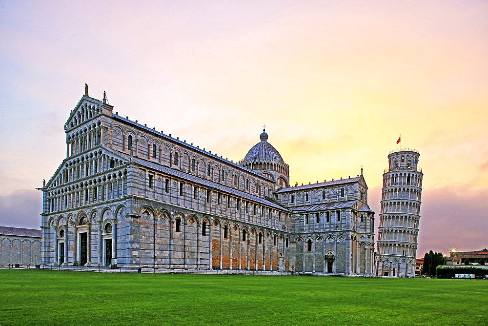 Campo dei Miracoli with Santa Maria Assunta Cathedral and Leaning Tower, UNESCO World Heritage Site, Pisa, Tuscany, Italy, Europe