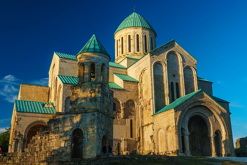 Bagrati Cathedral in evening sun, UNESCO World Heritage Site, Kutaisi, Georgia, Central Asia, Asia - 450-4305