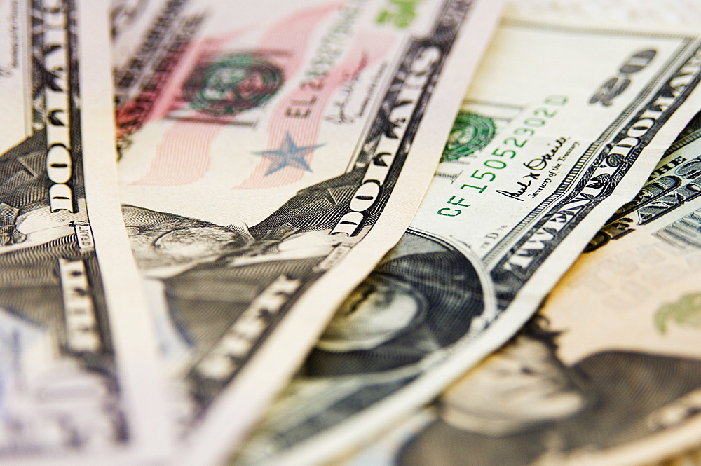 US currency, 50 and 20 dollar bills