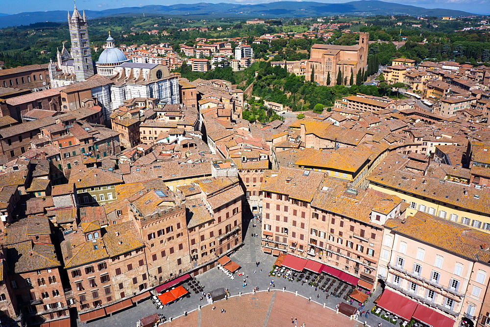 View of Duomo from Torre del Mangia, Piazza del Campo, UNESCO World Heritage Site, Siena, Tuscany, Italy, Europe
