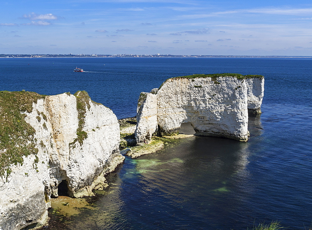 Old Harry Rocks at The Foreland (Handfast Point), Poole Harbour, Isle of Purbeck, Jurassic Coast, UNESCO World Heritage Site, Dorset, England, United Kingdom, Europe - 485-9689