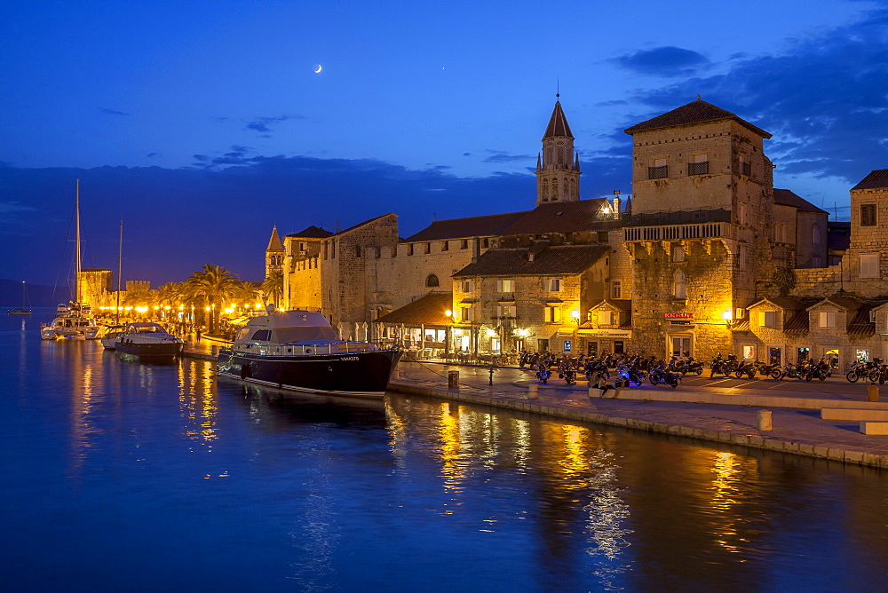Waterfront lit up at dusk, Trogir, UNESCO World Heritage Site, Dalmatian Coast, Croatia, Europe  - 526-3786