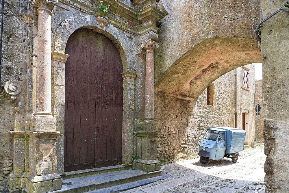 Erice, small truck parked under arch in back street - 526-3831