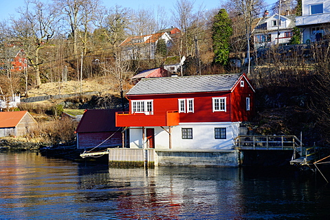 Fjord side cabins near Bergen, Hordaland, Norway, Scandinavia, Europe