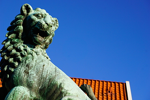 Lion Statue, Bergen, Hordaland, Norway, Scandinavia, Europe - 641-13356