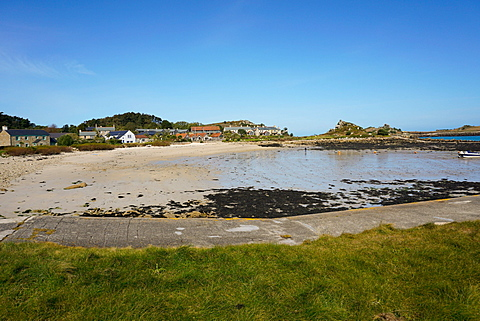 Beach at Old Grimsby with Ruin restaurant in background, Tresco, Isles of Scilly, England, United Kingdom, Europe - 641-13377