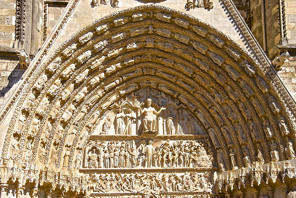 Cathedral Saint Etienne, dating from the 12th to 14th centuries, in Gothic style, central tympanum, UNESCO World Heritage Site, Bourges, Cher, Centre, France, Europe - 665-5452
