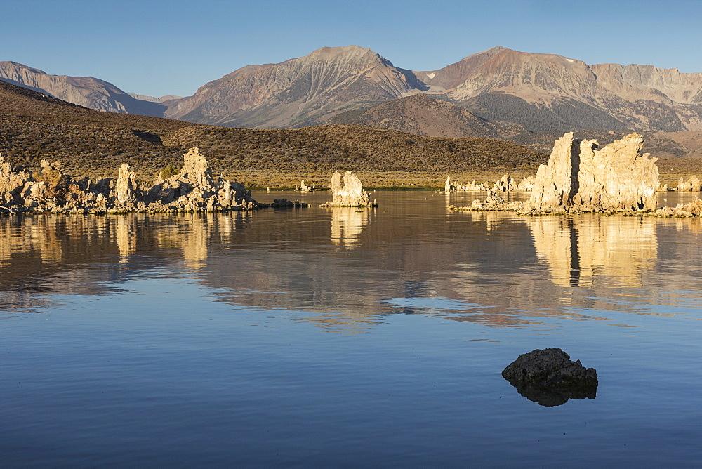 Mono Lake, California, United States of America, North America - 667-2545