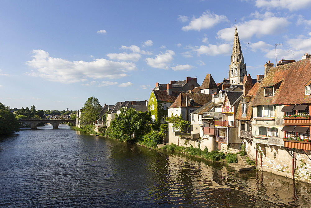 Medieval houses by the River Creuse, Argenton-sur-Creuse, Indre, Centre, France, Europe - 667-2578