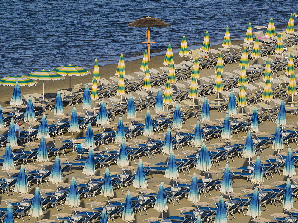 Umbrellas on the beach, Gatteo a Mare, Region of Emilia Romana, Adriatic Sea, Italy, Europe - 667-2593