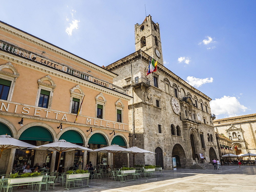 Caffe Meletti and Palazzo dei Capitani del Popolo, Piazzo del Popolo, Ascoli Piceno, Le Marche, Italy, Europe - 667-2596