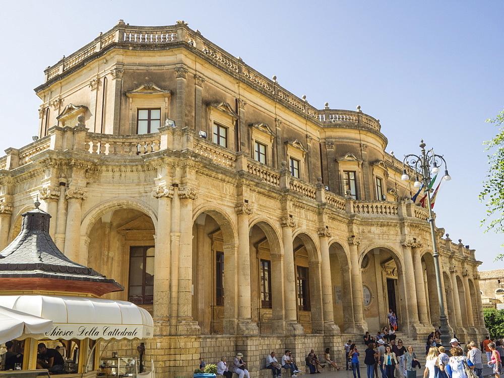 Palazzo Ducezio (Town Hall), UNESCO World Heritage Site, Noto, Sicily, Europe - 667-2605