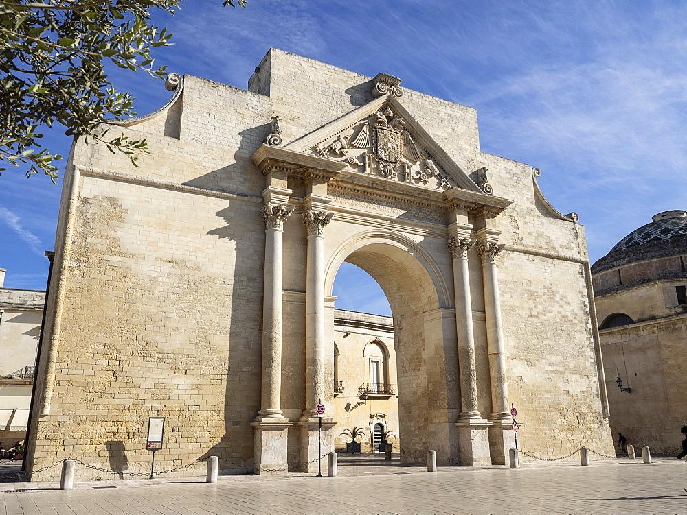 Porta Napoli, Lecce, Puglia, Italy, Europe - 667-2695