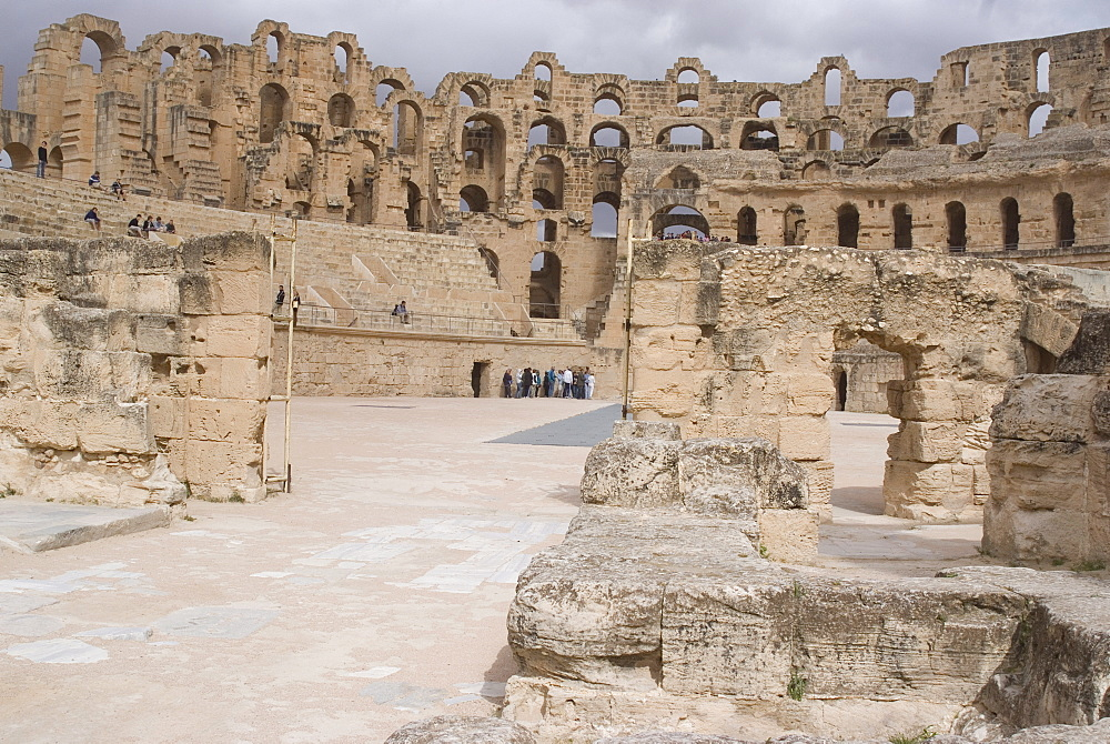 Roman Amphitheatre at El Djem, UNESCO World Heritage Site, Tunisia, North Africa, Africa