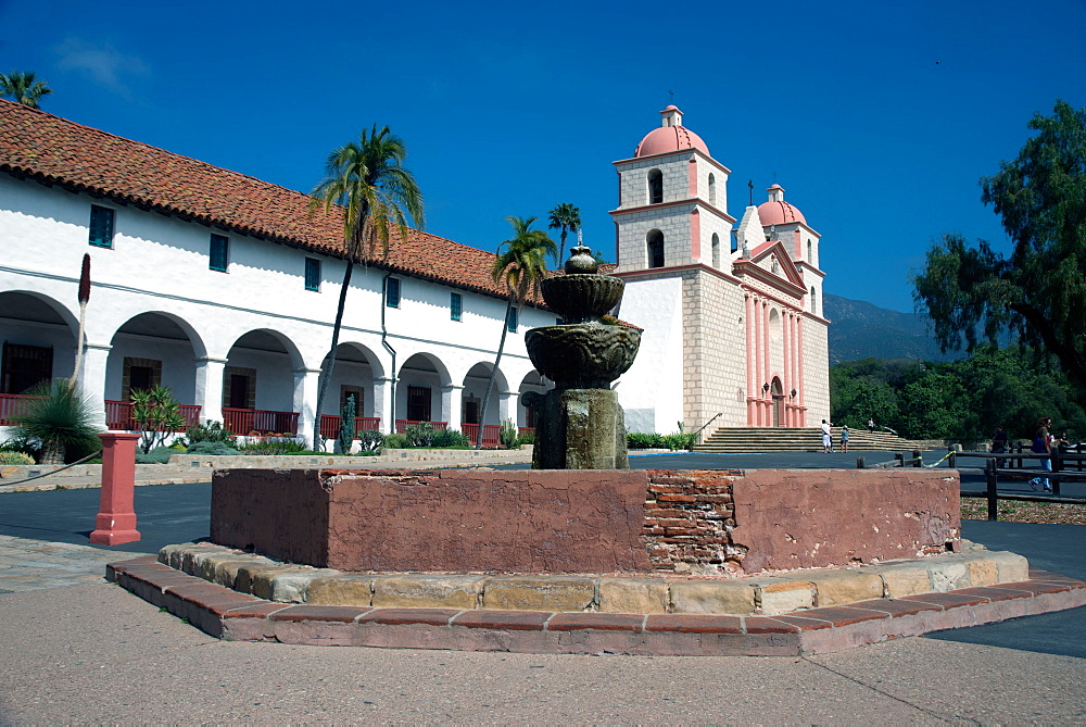 Mission Santa Barbara, founded 1786, Santa Barbara, California, United States of America, North America - 685-2639