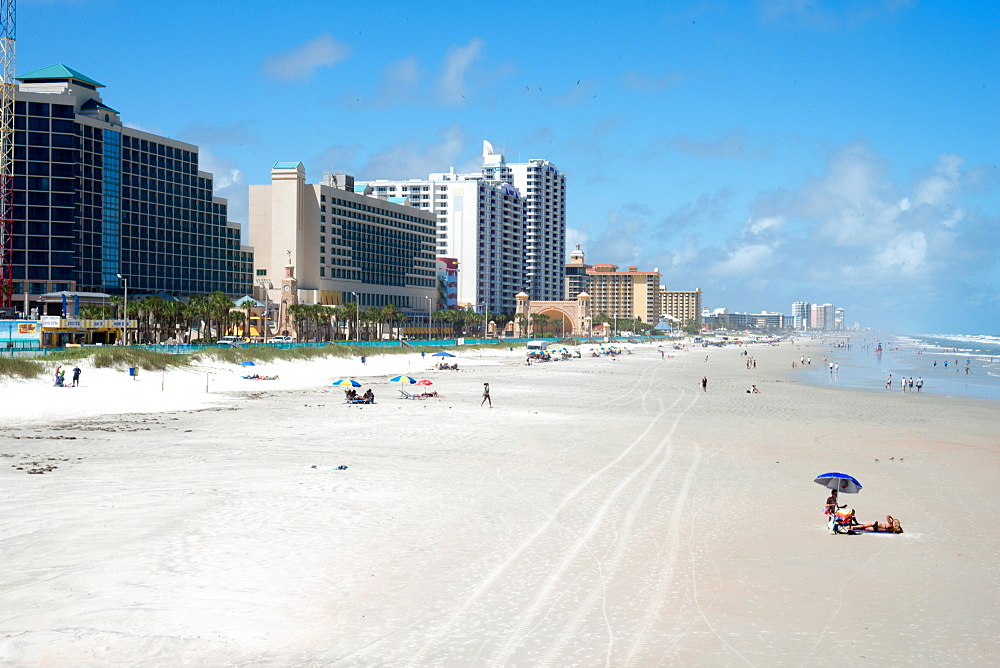 The beach at Daytona Beach, Florida, United States of America, North America - 685-2660