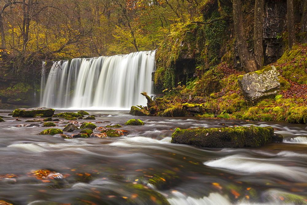 Scwd Ddwil, near Pontneddfechan, Ystradfellte, Brecon Beacons National Park, Powys, Wales, United Kingdom, Europe