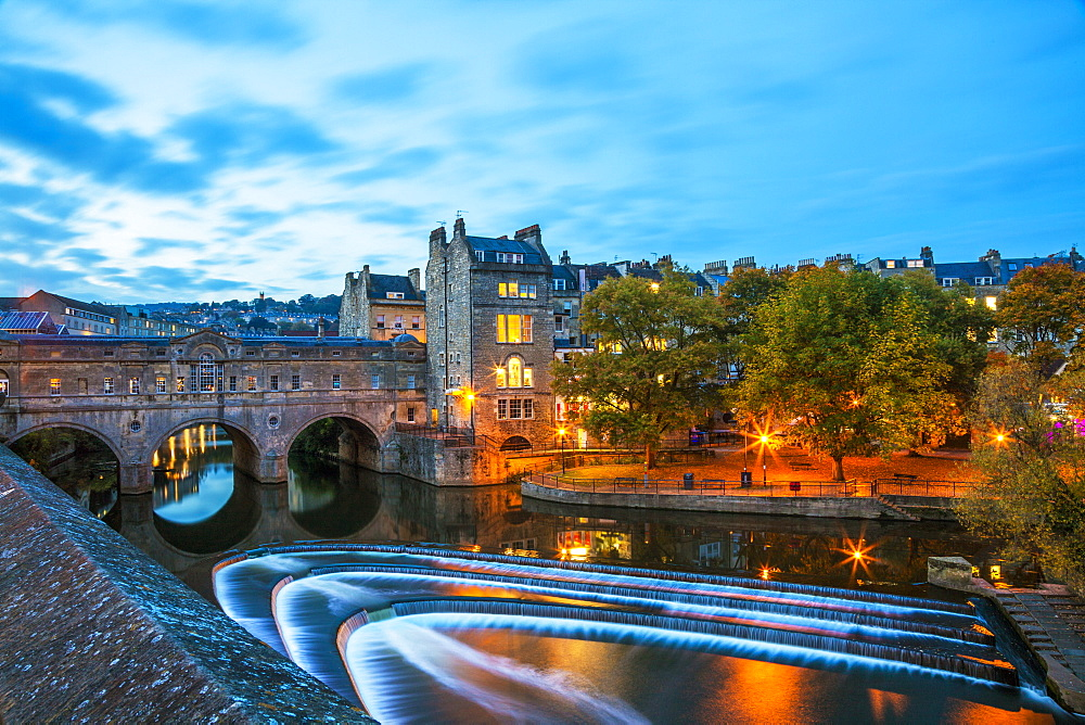 Bath Weir and Pulteney Bridge on the River Avon, Bath, UNESCO World Heritage Site, Somerset, England, United Kingdom, Europe