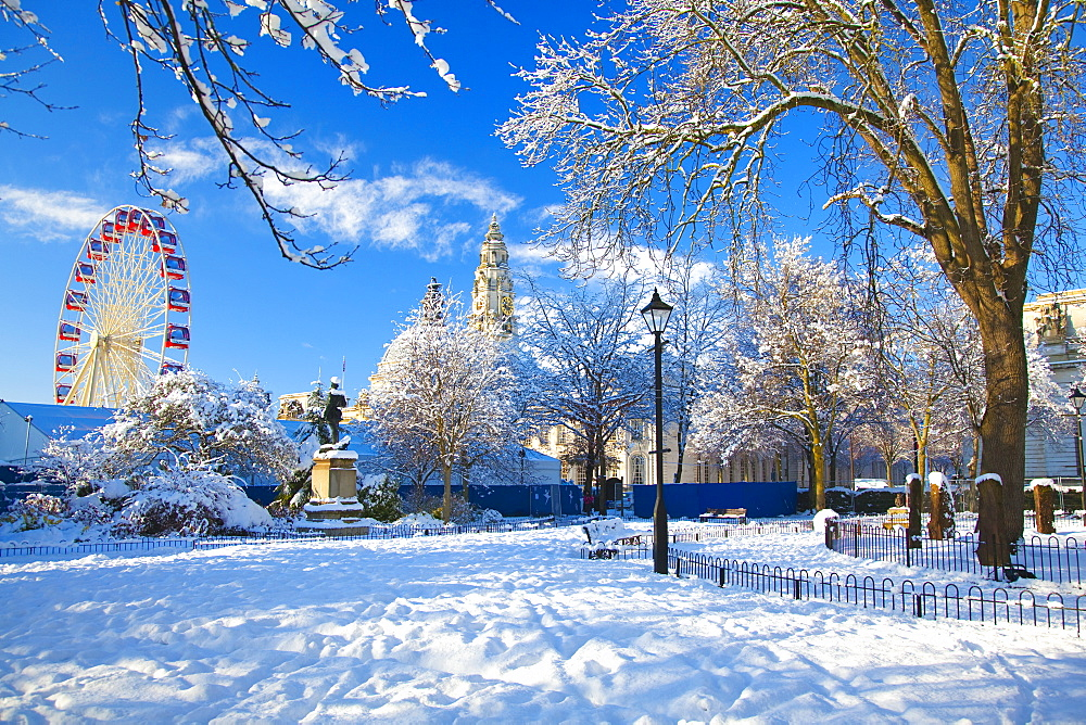 City Hall, Snow, Cathays Park, Civic Centre, Cardiff, Wales, UK - 696-830