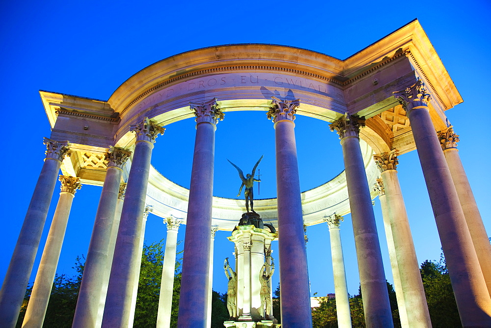 Welsh National War Memorial Statue, Alexandra Gardens, Cathays Park, Cardiff, Wales, United Kingdom, Europe - 696-838
