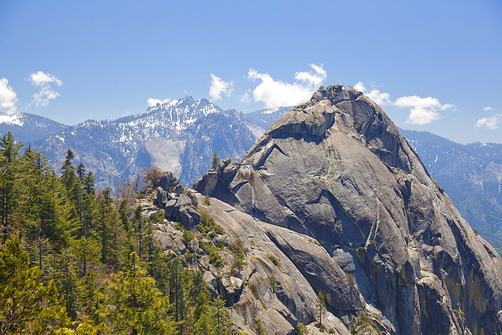 Moro Rock and the high mountains of the Sierra Nevada, Sequoia National Park, California, United States of America, North America
