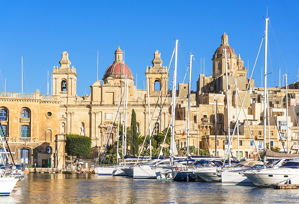 Vittoriosa waterfront wharf, St. Lawrence's Church, Dockyard Creek, Birgu, The Three Cities, Valletta, Malta, Mediterranean, Europe