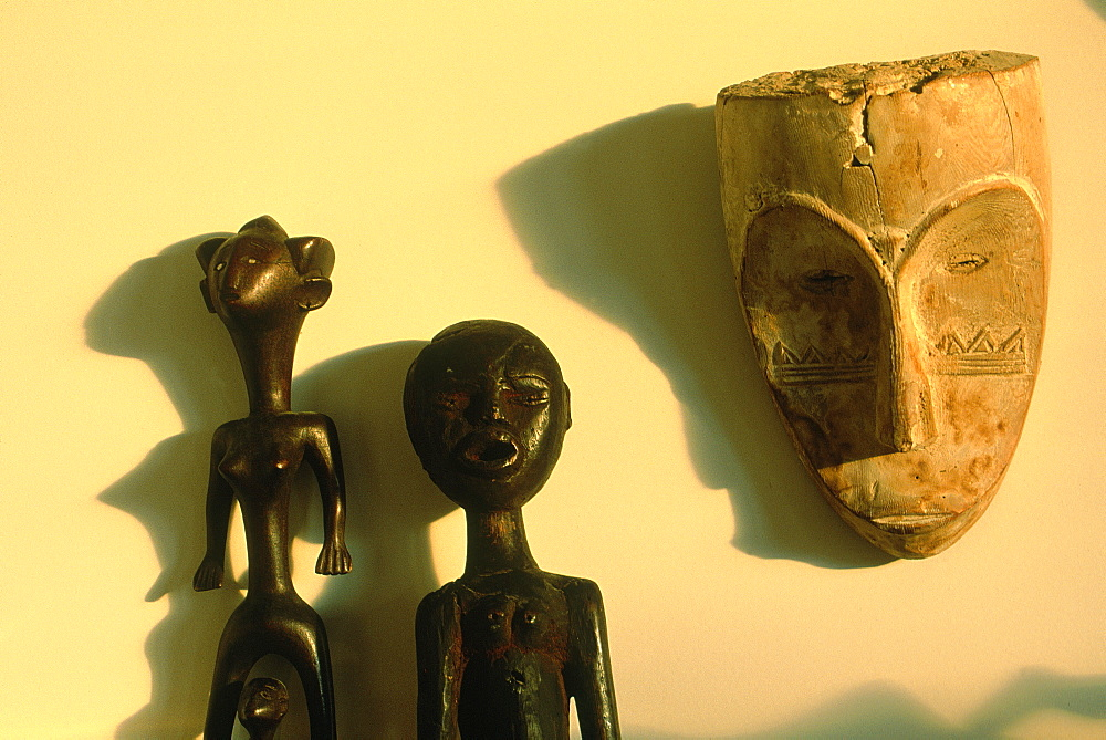 Africa, Gabon, Fang Antique Wooden Mask For Secret Ceremonies And Nigerian Religious Statues