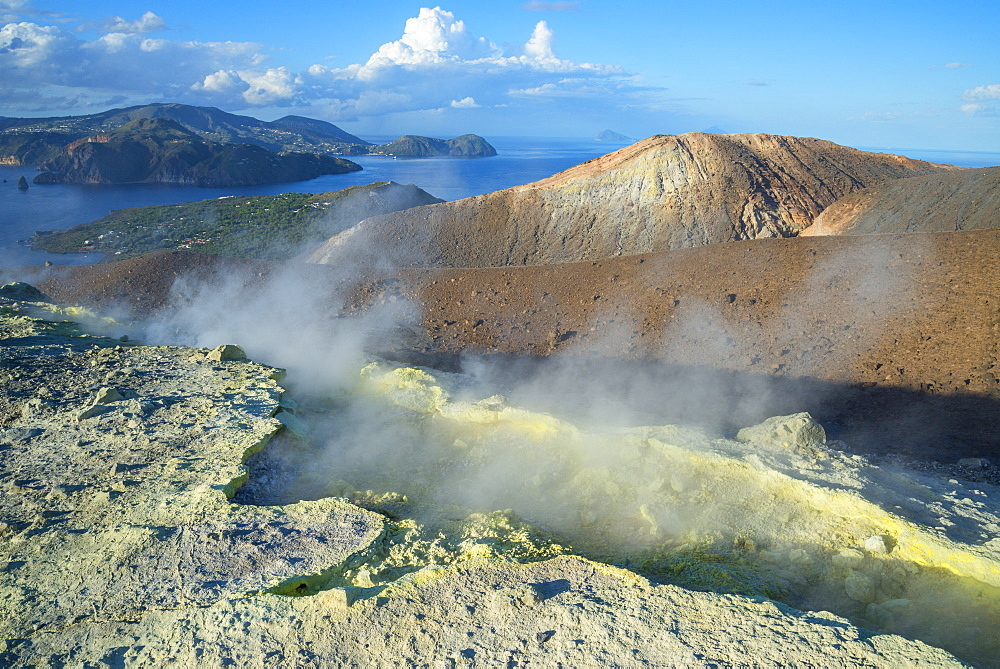 Gran Cratere (The Large Crater), Vulcano Island, Aeolian Islands, UNESCO World Heritage Site, north of Sicily, Italy, Mediterranean, Europe