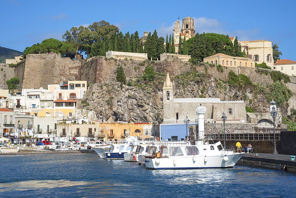Marina Corta harbor, Lipari Town, Lipari Island, Aeolian Islands, UNESCO World Heritage Site, Sicily, Italy, Mediterranean, Europe - 718-2178