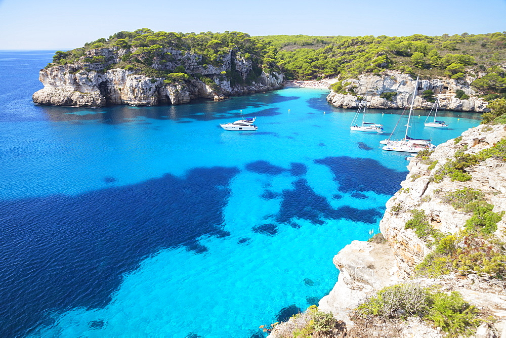 View of Cala Macarelleta and sailboats, Menorca, Balearic Islands, Spain, Mediterranean, Europe - 718-2243