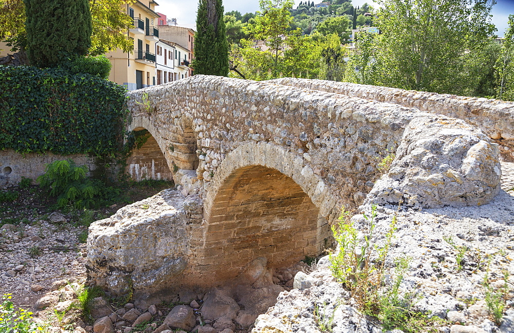 Old Roman double arch stone bridge, Pollenca, Mallorca (Majorca), Balearic Islands, Spain, Europe - 718-2254