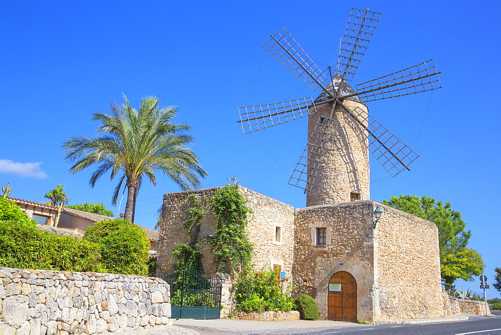 Windmill in Sineu, Mallorca (Majorca), Balearic Islands, Spain, Europe - 718-2259