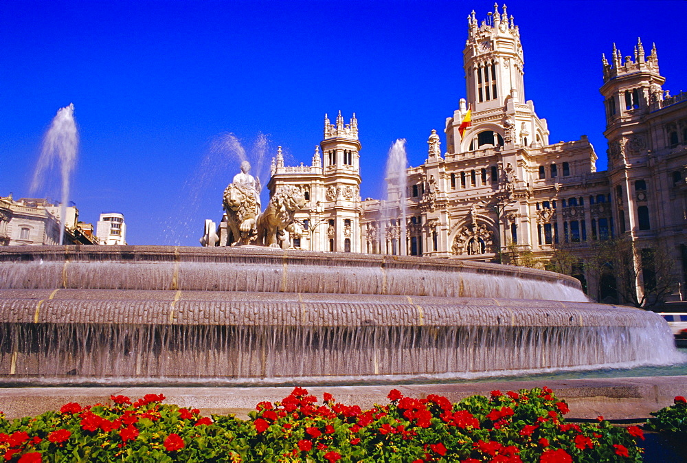 Plaza de la Cibeles and fountain, Madrid, Spain, Europe