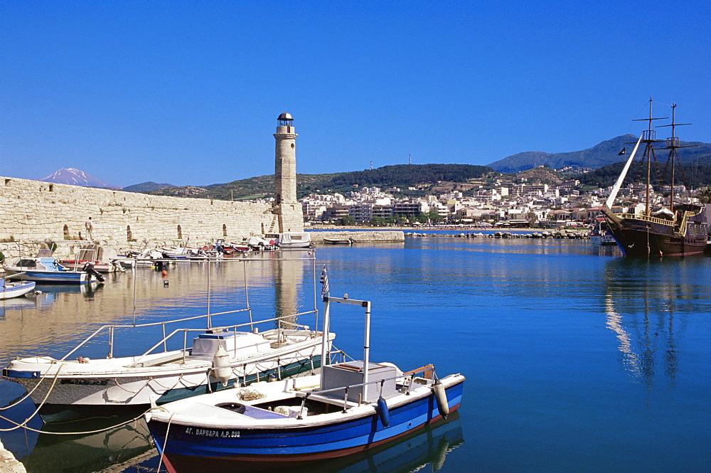 The old Venetian harbour, Rethymno, island of Crete, Greek Islands, Greece, Europe