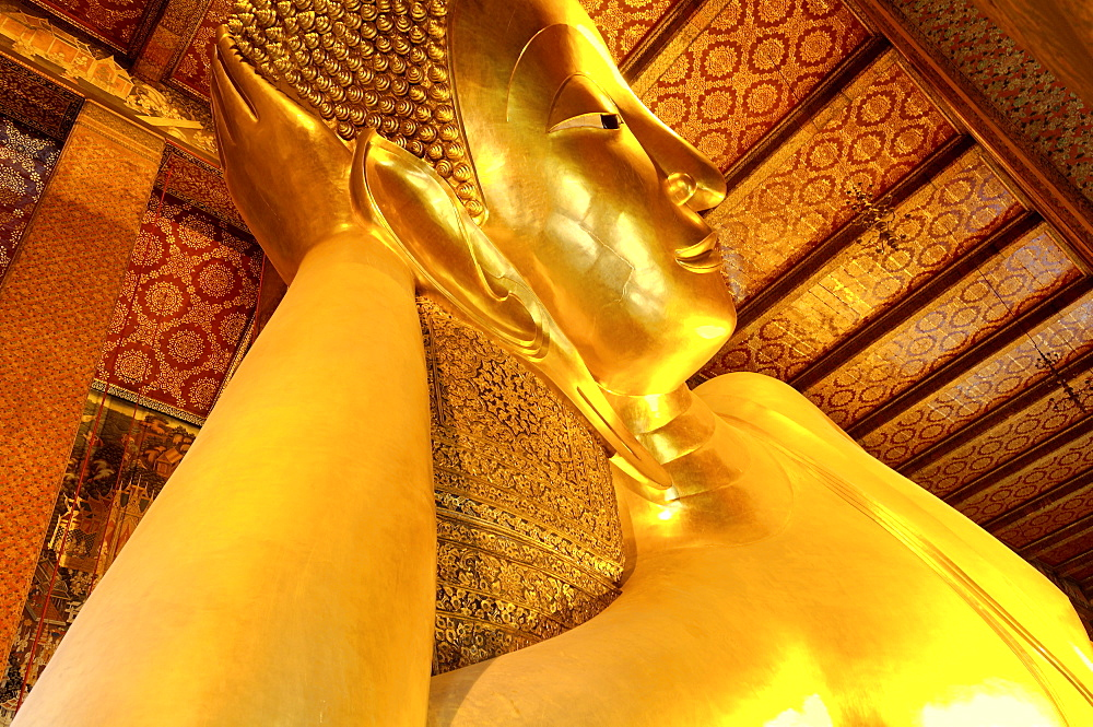 Head of the large reclining Buddha, Wat Phra Chetuphon (Wat Pho) (Wat Po), founded in the 17th century, the oldest temple in the city, Bangkok, Thailand, Southeast Asia, Asia