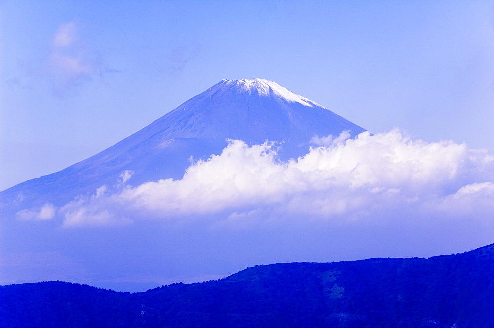 Mount Fuji, 3776m, in Fuji Hakone National Park, Kanagawa Prefecture, Honshu Island, Japan, Asia - 733-2385