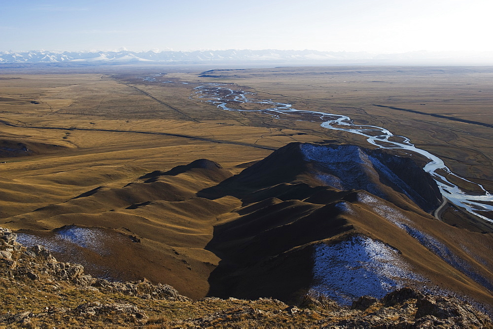Mountains and river scenery in Bayanbulak, Xinjiang Province, China, Asia