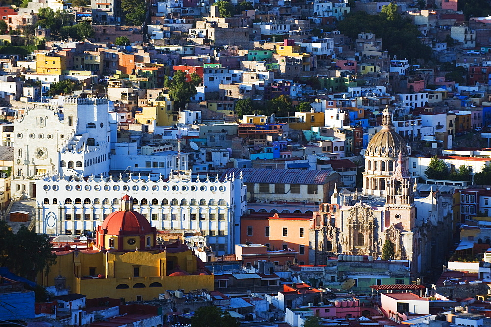 University building and Cathedral, Guanajuato, UNESCO World Heritage Site, Guanajuato state, Mexico, North America