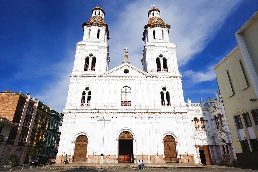 Iglesia de Santo Domingo, Historic Centre of Santa Ana de los Rios de Cuenca, UNESCO World Heritage Site, Cuenca, Ecuador, South America