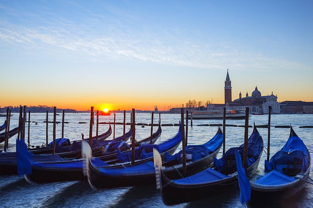 Gondolas and San Giorgio Maggiore Church across Bacino di San Marco, sunrise on Venice lagoon, Venice, UNESCO World Heritage Site, Veneto, Italy, Europe - 733-6654
