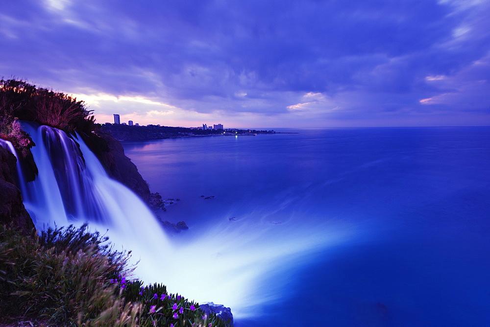 Duden Kiyi Selalesi Waterfall falling directly into the sea, Antalya, Pamphylia, Turquoise Coast, Mediterranean Region, Anatolia, Turkey, Asia Minor Eurasia