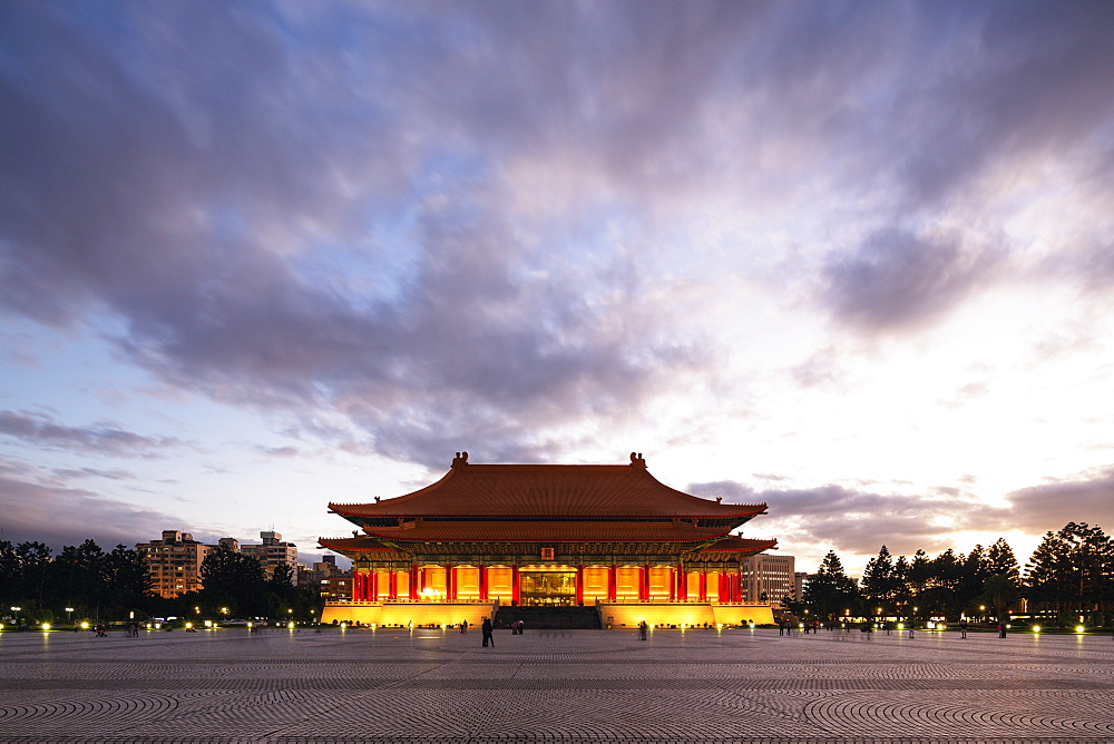 Performing Arts Theater, Chiang Kaishek Memorial Grounds, Taipei, Taiwan, Asia