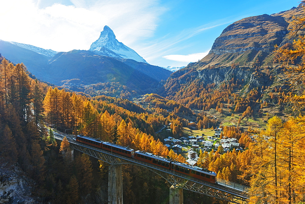 The Matterhorn, 4478m, Findelbach bridge and the Glacier Express Gornergrat, Zermatt, Valais, Swiss Alps, Switzerland, Europe