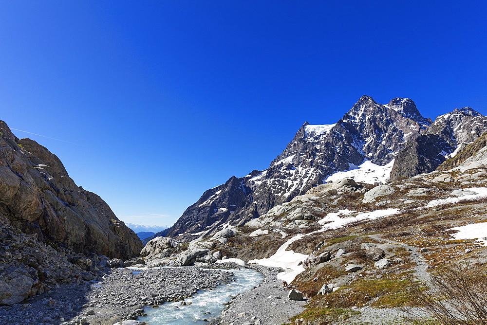 Barre des Ecrins, glacial river, Ecrins National Park, French Dauphine Alps, Haute Alpes, France, Europe